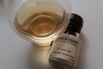 A glencairn of Auchentoshan 21 Year Old Whisky