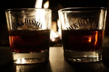 Two glasses with JD and mixer