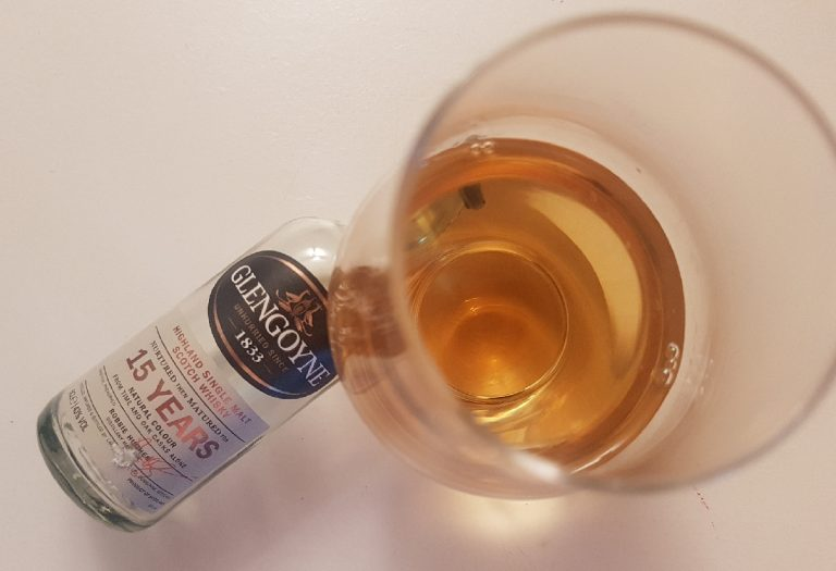 A bottle and glass of Glengoyne 15